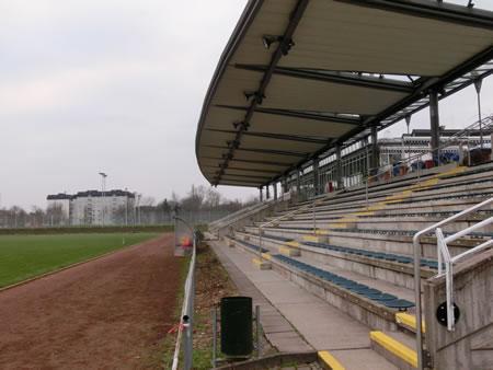 シュタディオン・アム・ブレンタノバド(Stadion am Brentanobad)